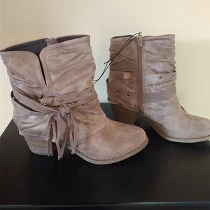 Pop Shoes ankle boots